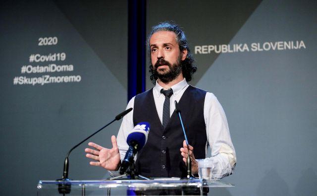 Predstojnik Centra za nalezljive bolezni v NIJZ Mario Fafangel. FOTO: Zaslonski posnetek novinarske konference