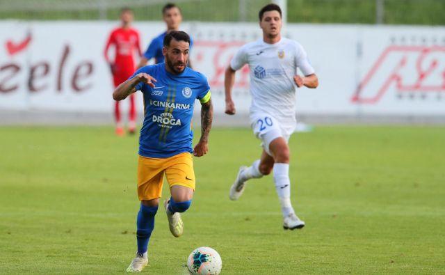 Mitja Lotrič je k zmagi celjskih nogometašev nad Domžalčani prispeval dva gola. FOTO: Jože Suhadolnik