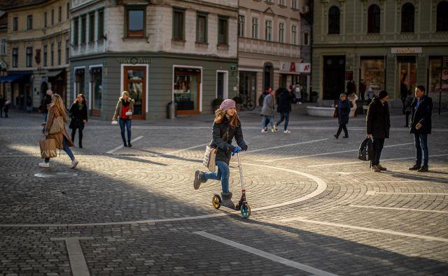 Kot primer dobre prakse izpostavljajo pešcono v središču Ljubljane. Foto Voranc Vogel