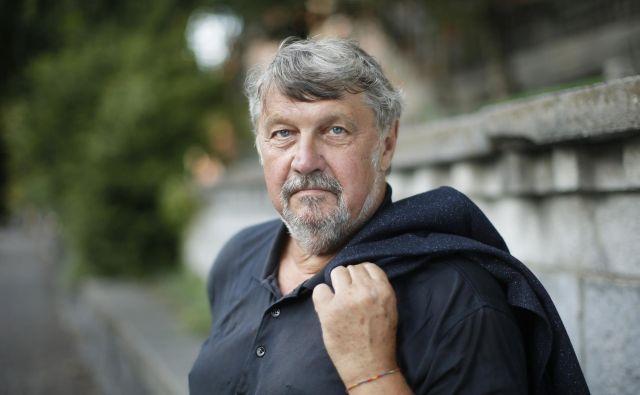 Dušan Pernat, gledališki producent, ki je vse od osemdesetih let prejšnjega stoletja zaslužen, da se je SMG znašel na odrih najprestižnejših svetovnih gledaliških festivalov. FOTO: Jure Eržen/Delo