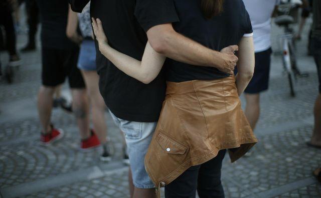 Sledila je stopnja, na kateri ljudje izrazimo željo po pripadanju in ljubezni. FOTO: Jure Eržen/Delo