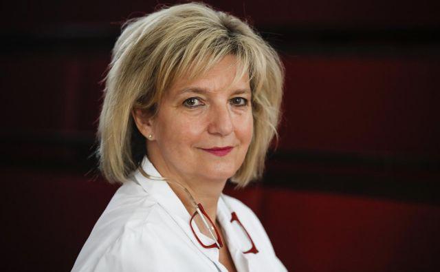 Infektologinja Bojana Beović meni, da je strah zaradi uvajanja mobilne aplikacije za sledenje okuženim nepotreben in pretiran. FOTO: Uroš Hočevar