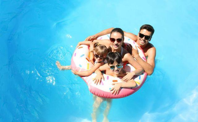 Slovenke in Slovenci najraje izbiramo dejavnosti v domači okolici, ki so cenovno dostopne in s katerimi se lahko ukvarjamo vse leto, tudi do pozne starosti.FOTO: Shutterstock