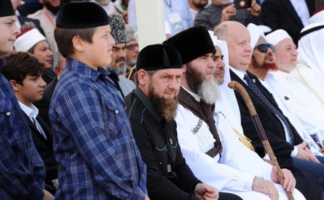 Kritiki čečenske oblasti so prepričani, da je Ramzan Kadirov v Evropi vzpostavil mrežo ljudi, ki izvajajo njegova »smrtonosna naročila«. Foto Said Tsarnayev/Reuters