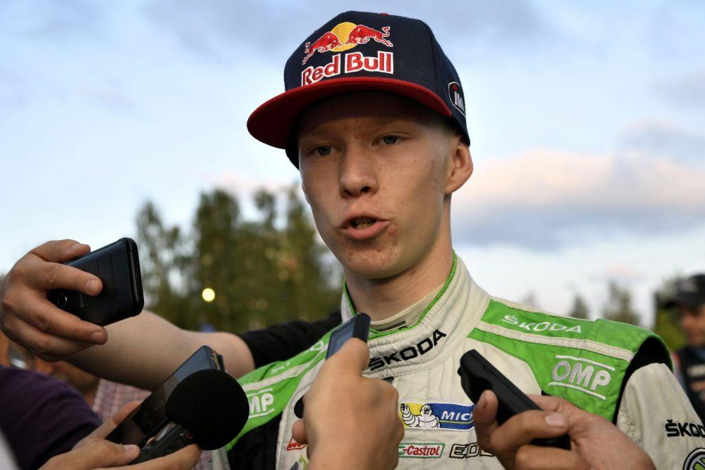 FOTO:Mladi finski dirkaški as dodobra prestrašil svojega slovitega očeta
