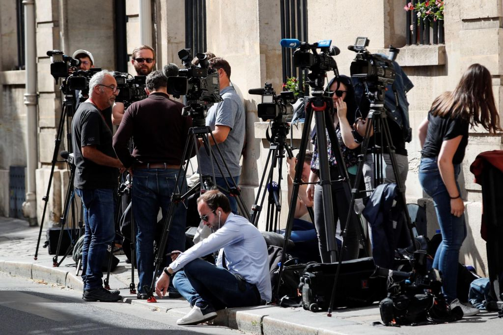 FOTO:Kritike kratke javne razprave o novi medijski zakonodaji