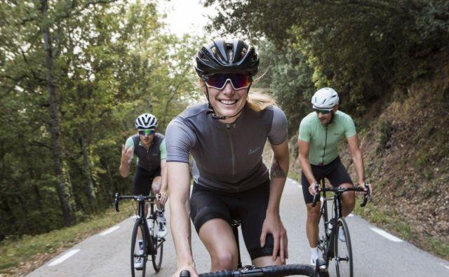 Kolesarska moda je vedno bolj prijazna tudi do kolesark. FOTO: Arhiv Proizvajalca/Isadore