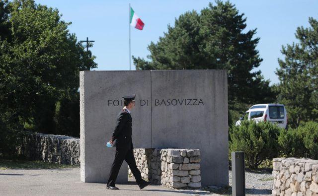 Borut Pahor in Sergio Mattarella sta obiskala fojbo v Bazovici. FOTO: Jože Suhadolnik/Delo