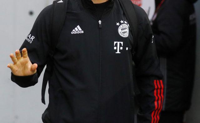 Dopustniški Manuel Neuer se je brez maske razpel na hrvaški obali. Fotografiji Reuters