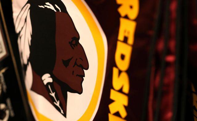 Znamenito washingtonsko moštvo ameriškega nogometa se ne bo več imenovalo Rdečekožci. FOTO: Leah Millis/Reuters