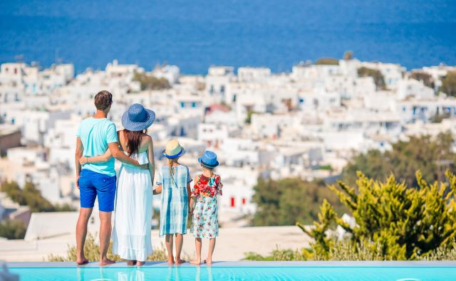 Pri potovanjih veljajo nova pravila. FOTO: Getty Images/istockphoto