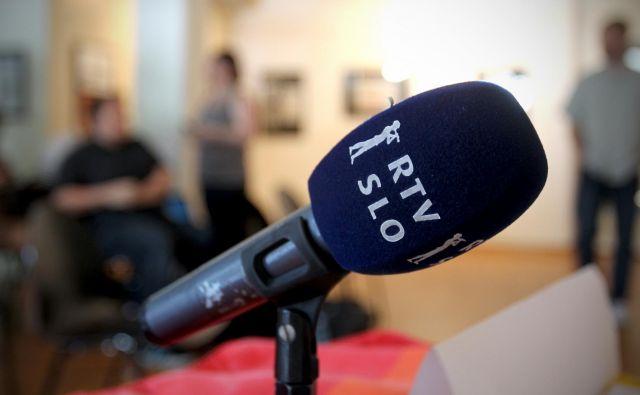 Predsedniki koalicijskih strank in vodje poslanskih skupin so se po burni javni polemiki na včerajšnjem srečanju strinjali, da je treba javno razpravo o predlaganih medijskih novelah podaljšati do konca avgusta. FOTO: Blaž Samec/Delo