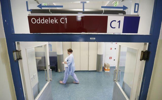 Namen sodobnega genetskega testiranja bolnikov z rakom je najti individualne genske spremembe in nanje usmeriti tarčno zdravilo. FOTO: Leon Vidic/Delo
