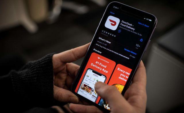 Kriza zaradi koronavirusa je še pospešila uporabo elektronike in s tem okrepila položaj IT-dejavnosti.<br /> FOTO: Eric Baradat/AFP