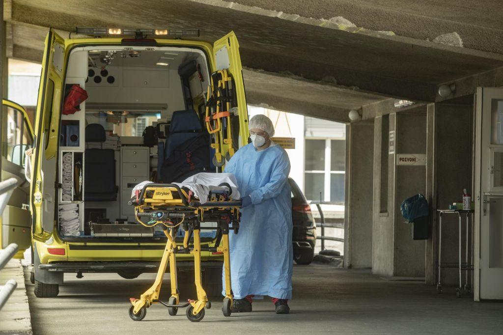 V Sloveniji deset novih okužb, na Hrvaškem 52