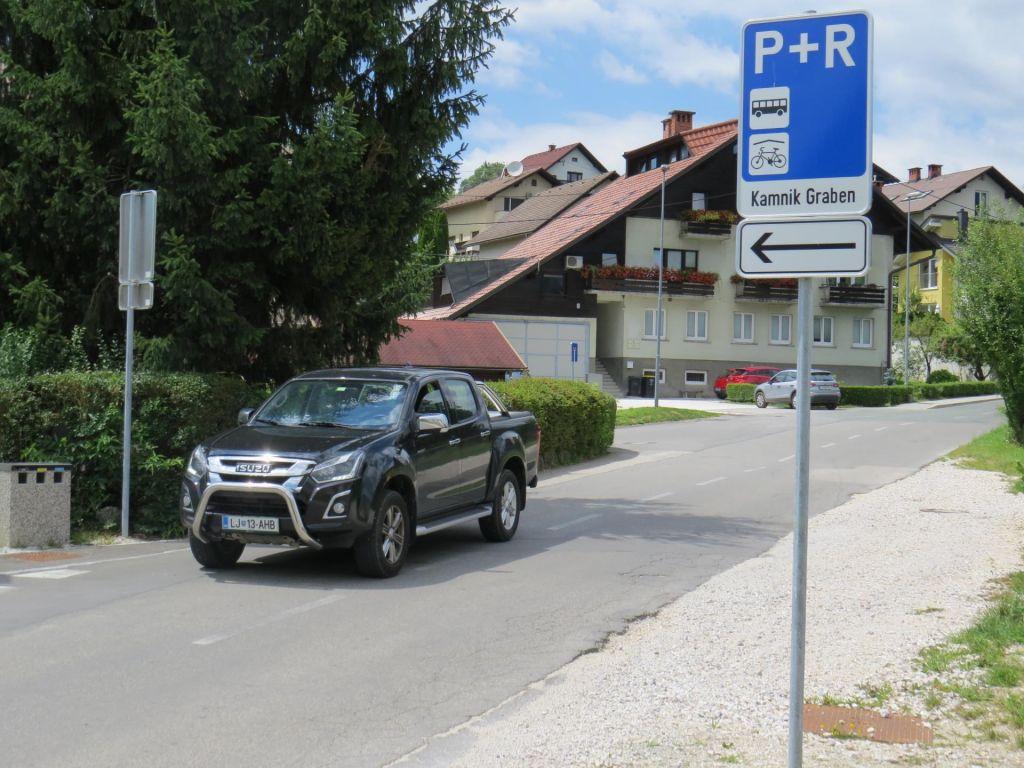 FOTO:Parkirišče nared, zdaj čakajo prvi Stadlerjev vlak