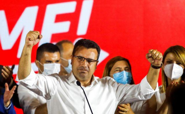 Nekdanji makedonski premier Zoran Zaev je razglasil zmago. FOTO: Ognen Teofilovski/Reuters