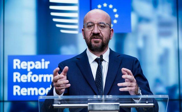 Predsednik evropskega sveta Charles Michel je pred tednom dni v kompromisnem predlogu ponudil 26 milijard evrov manj kot evropska komisija, nezadovoljnih je veliko. FOTO: Kenzo Tribouillard/Afp