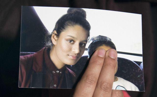 Fotografija Shamime, ki jo je leta 2015, ob njenem izginotju, medijem pokazala njena starejša sestra Renu. FOTO: Laura Lean/AFP