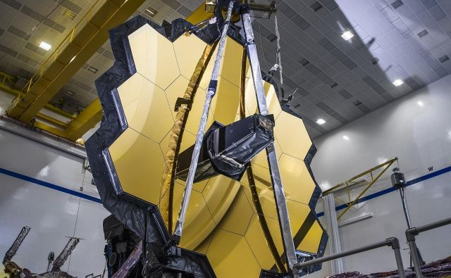 Teleskop James Webb je tehnološko najbolj zahteven vesoljski teleskop. FOTO: NASA/C. Gunn