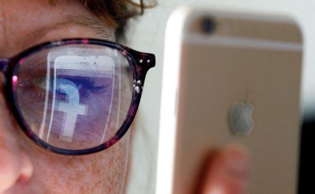 SodiščeEvropske unije je razveljavilo dogovor EU in ZDA o t. i. ščitu zasebnosti. Kljub temu je prenos podatkov državljanov unije obdelovalcem podatkov v tretjih državah dovoljen, so še odločilisodnikiSodiščaEU. FOTO: Regis Duvignau/Reuters