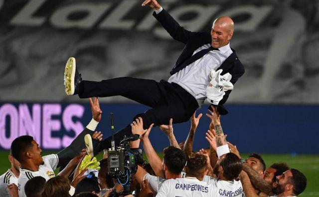 Zidane ima pred seboj nov izziv: kako avgusta izničiti prednost ManCityja s prve tekme 1/8 finala lige prvakov v Madridu (1:2)? FOTO: AFP