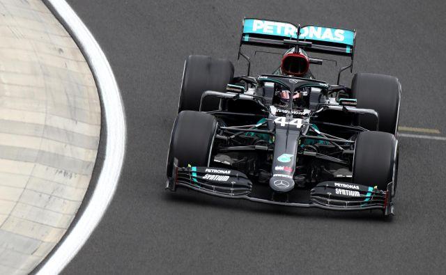Lewis Hamilton upravičuje vlogo favorita. FOTO: Mark Thompson/Reuters
