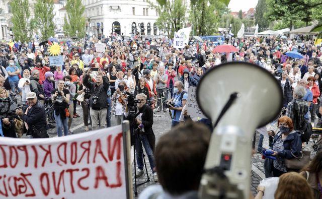 Vreme ni oviralo protestnikov. FOTO: Voranc Vogel/Delo