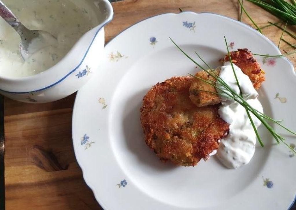 FOTO:Krompirjev polpet z jogurtovim prelivom
