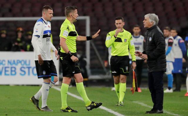 Gianpiero Gasperini (desno) se zaveda, da Atalanta dolgoročno težko igra učinkovito brez pomoči Josipa Iličića (levo) v igri na zadnji tretjini igrišča. FOTO: Ciro De Luca/Reuters
