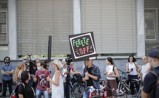 Protest za ohranitev javnega servisa RTV Slovenija pred sejo programskega sveta RTV Slovenija.FOTO: Uroš Hočevar/Delo