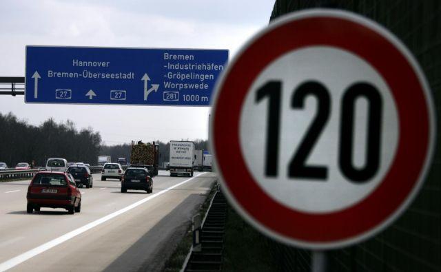 Vprašanje cestnin je občutljivo za ministrstva, ki jih vodijo nemški socialni demokrati iz SPD. Tiso že dolgo časa kritični do cestnin. FOTO: Morris Macmatzen/Reuters