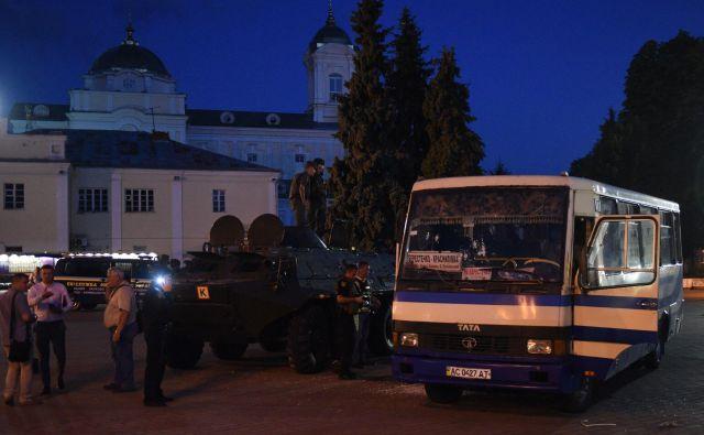Ugrabitelj je zadrževal 13 talecv. FOTO: Jurij Djačišijn/AFP