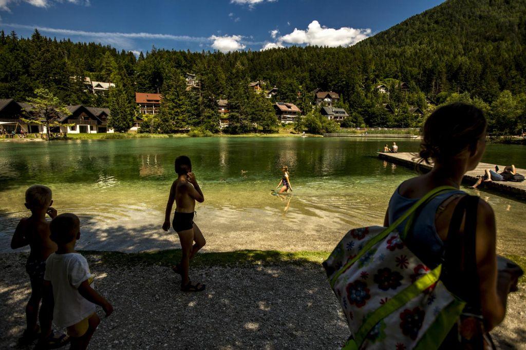 FOTO:Avstrijci, Nemci in Švicarji kupujejo slovensko nepremičninsko idilo