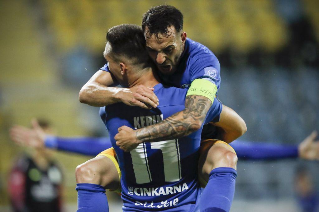 FOTO:Nogometaši Celja prvič v zgodovini države na vrhu Slovenije