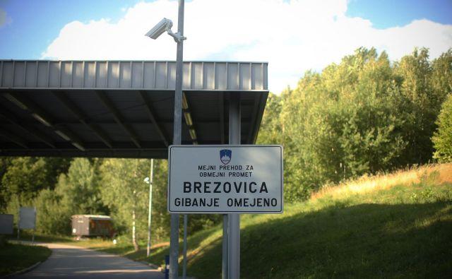 Vas in mejni prehod Brezovica. Foto Jure Eržen/Delo