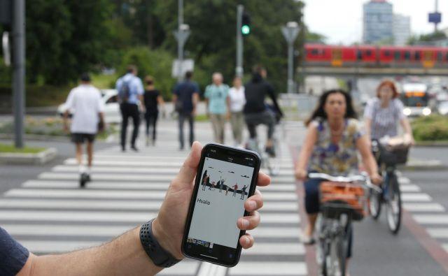 Mobilna aplikacija bo na voljo v slovenske, angleškem, italijanskem in madžarskem jeziku. FOTO: Matej Družnik/Delo