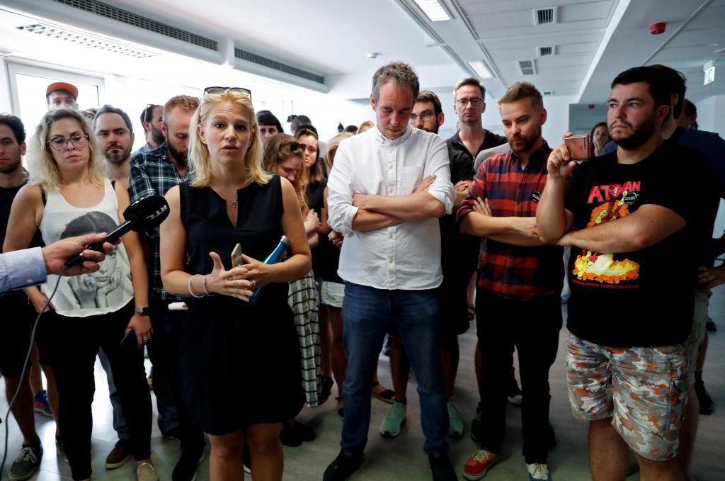 Zaradi pritiskov preko 70 novinarjev madžarskega Indexa dalo odpoved