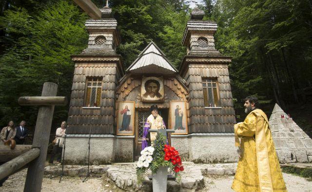 Predstavnika ruske cerkve med verskim obredom. FOTO: Jure Eržen/Delo
