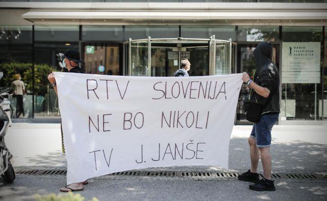 Predlagani noveli zakona ministra za kulturo Simonitija o javni RTV Slovenija in Slovenski tiskovni agenciji (STA) kažeta na težnjo po popolni podreditvi ključnih medijev. Foto Uroš Hočevar/Delo