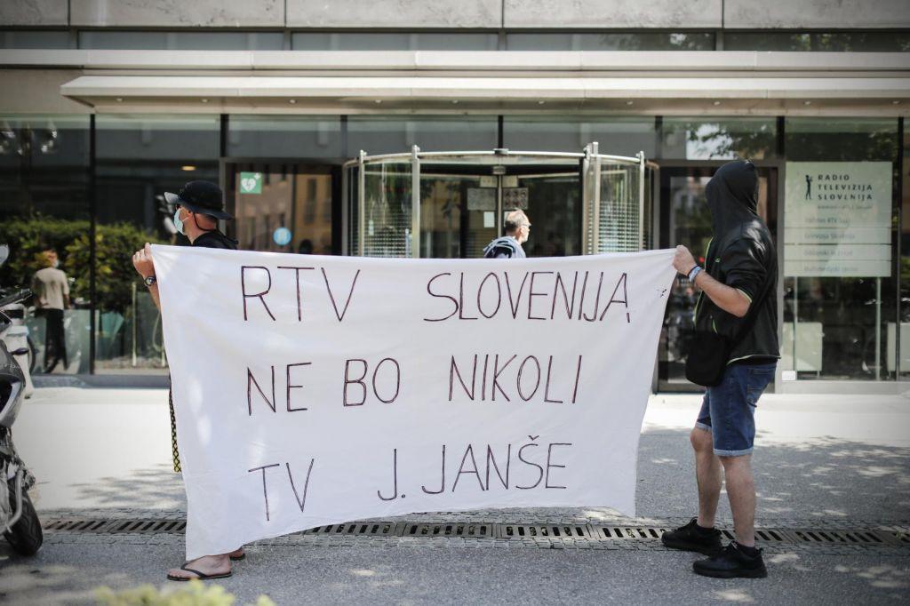 Boj za medije, za totalno oblast
