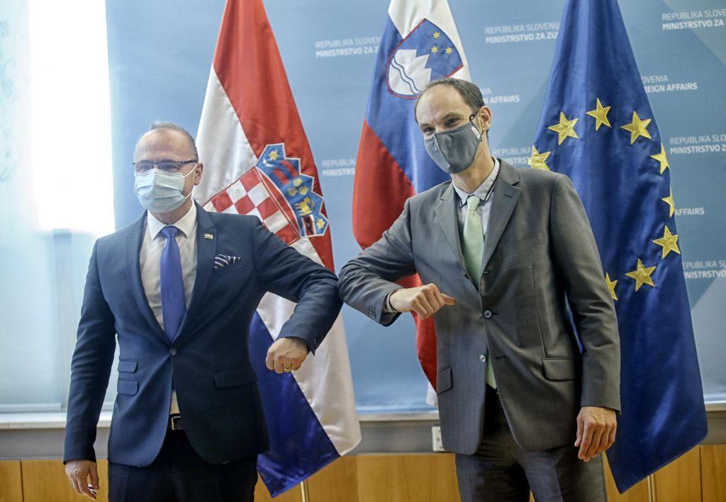 Minister Logar opozoril pred prehajanjem bosansko-hrvaške meje