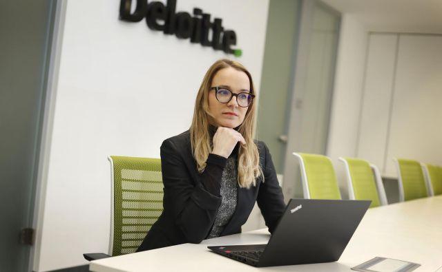 Deloitte si prizadeva pomagati tudi skupnostim v okviru svoje iniciative za družbeni učinek WorldClass, ki pripravlja ljudi in stranke na tehnološke spremembe, pravi Barbara Ž�ibret Kralj iz Deloitta. FOTO: Leon Vidic/Delo