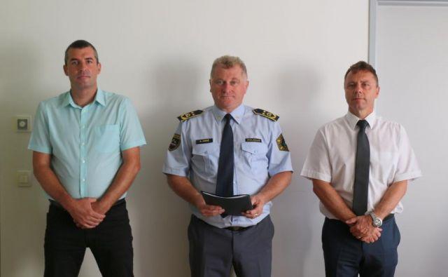 Novi v. d. direktorja NPU Uroš Lepoša, v. d. generalnega direktorja policije Andrej Jurič in dosedanji vodja NPU Igor Lamberger FOTO: Policija