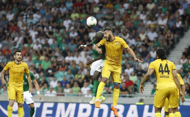 Med klubi, ki so se razveselili povečanja lige, je tudi Malatyaspor, ki je lansko poletje srečno izločil Olimpijo v kvalifikacijah za evropsko ligo, potem pa je v domačem prvenstvu sledil razpad. FOTO: Leon Vidic/Delo