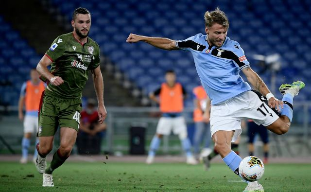 Ciro Immobile je proti Brescii zabil 35. gol v sezoni in zdaj ga le še en loči od rekordnega dosežka Gonzala Higuaina. FOTO: Filippo Monteforte/AFP