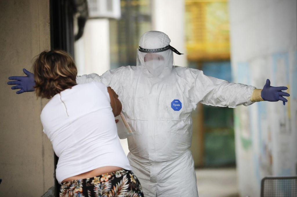 Zdravstveno osebje v karanteni, delo trpi