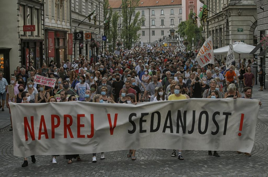 FOTO:»Danes protest posvečamo samo tebi, Janez Janša«