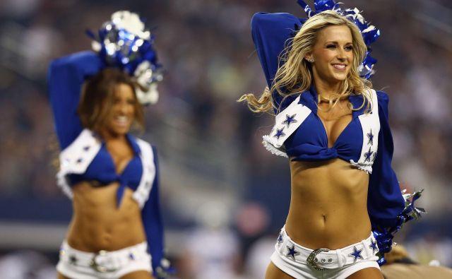 Dallas Cowboys na igrišču ne blestijo, saj se spet niso uvrstili v končnico, so pa največ vreden klub na svetu. FOTO: AFP
