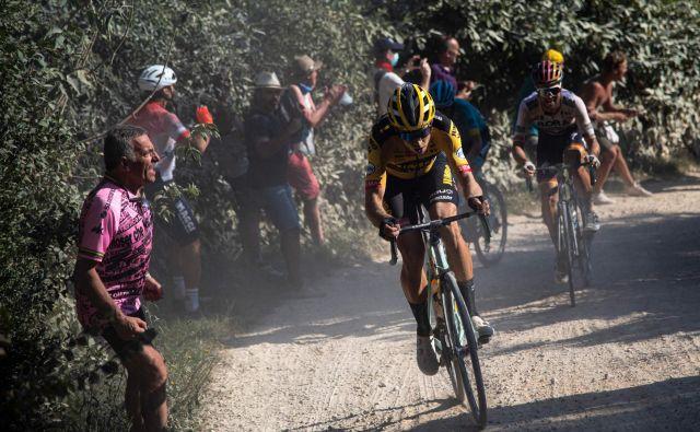 Wout van Aert se je najbolje znašel na razbeljenem toskanskem makadamu. FOTO: AFP